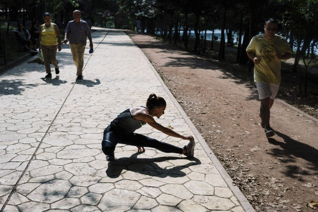 Faute de piste d'athlétisme à Tirana, Luiza Gega... (AFP, Dimitar Dilkoff)