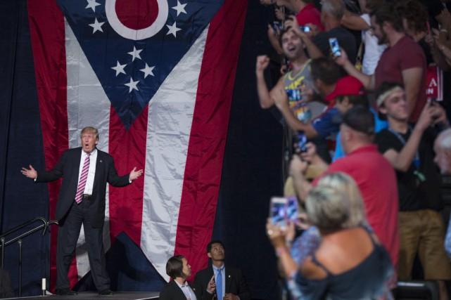 Après plus d'une semaine de polémiques, Donald Trump... (Photo Evan Vucci, Archives AP)