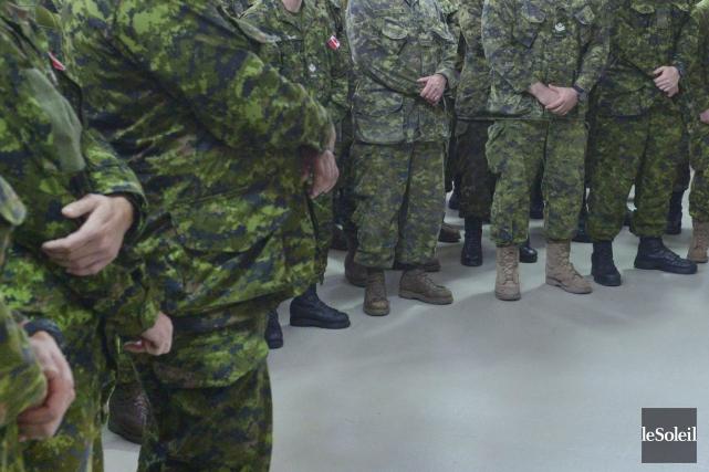 Une quarantaine de militaires marchera dans le secteur... (Photothèque Le Soleil)
