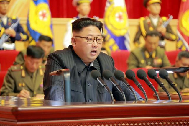 Le leader nord-coréen Kim Jong-un... (AFP)