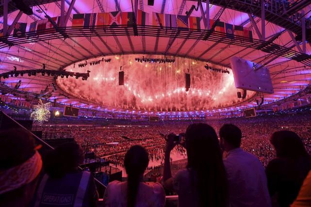 Le sans faute lors de la cérémonie d'ouverture... (AFP, Pedro UGARTE)