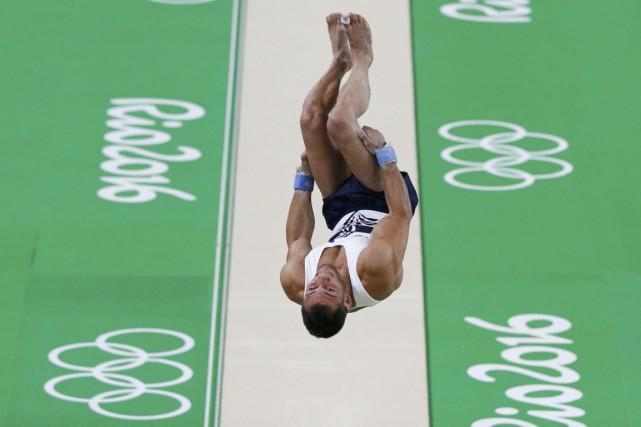 Le gymnaste de 26 ans est mal retombé... (REUTERS)