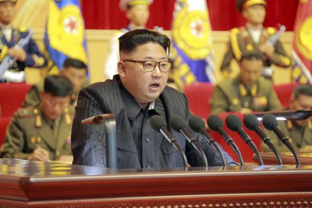 Le leader nord-coréen Kim Jong-Un... (AFP, KCNA)