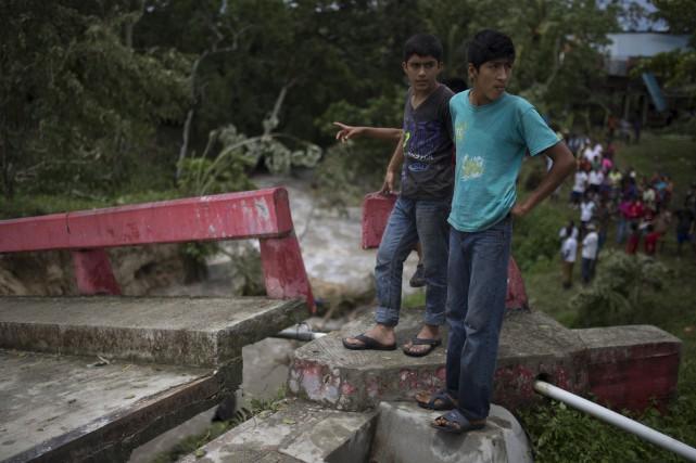 La tempête tropicale Earl a provoqué de nombreux... (PHOTO Luis Soto, AP)