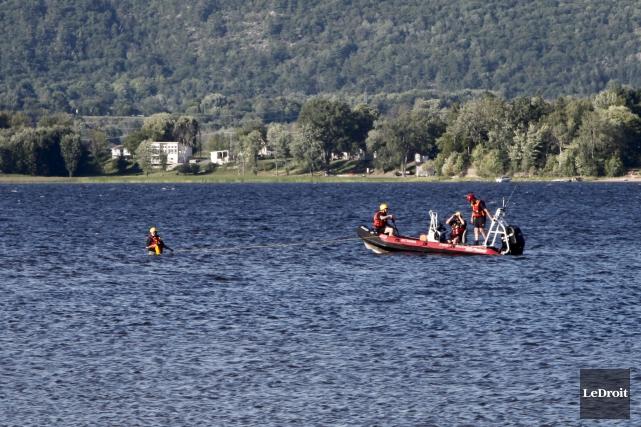 L'enfant de 10 ans qui a disparu dans les eaux de Constance Bay samedi en... (Simon Séguin-Bertrand, LeDroit)