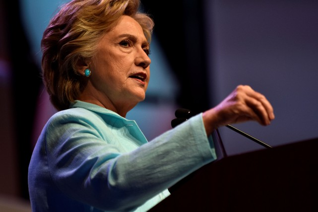 Hillary Clinton... (PHOTO JAMES LAWLER, REUTERS)
