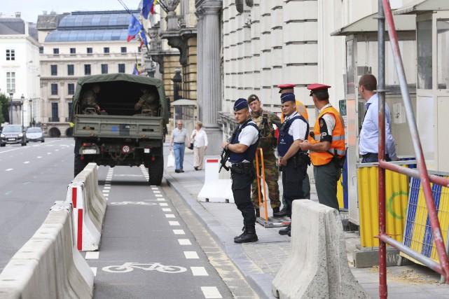 L'attaque à la machette a blessé deux policières... (AFP, Nicolas Maeterlinck)