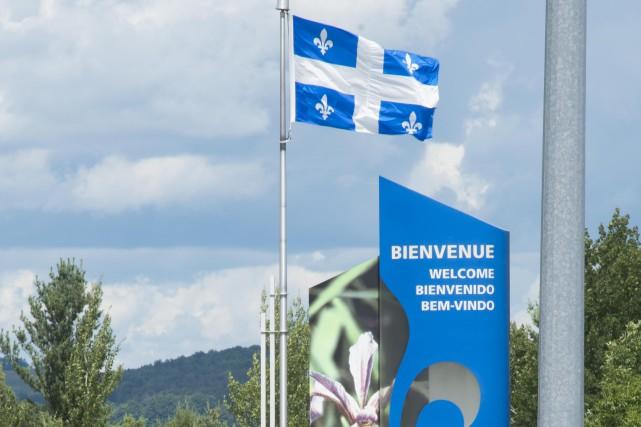 Les vacanciers qui rentraient au Québec en passant... (Spectre média, Julien Chamberland)