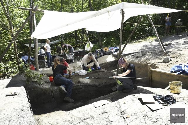 Des visites du site archéologique sont organisées jusqu'au... (Photo Le Quotidien, Mariane L. St-Gelais)