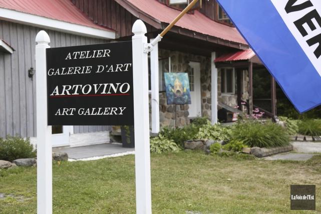 Nancy St-Onge a ouvert sa propre galerie à... (Julie Catudal, La Voix de l'Est)