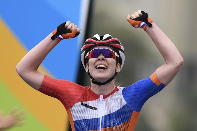 La Néerlandaise Anna van der Breggen adécroché l'or... (AFP, Eric Feferberg)