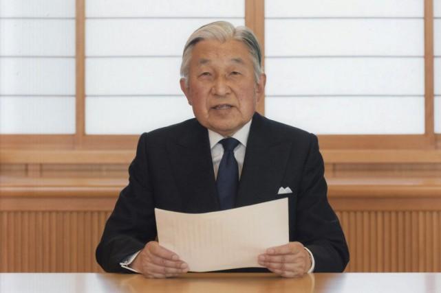 L'empereur du Japon Akihito.... (IMAGE VIA REUTERS)