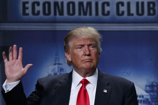 Donald Trump a livré lundi undiscours au club... (PHOTO AP)