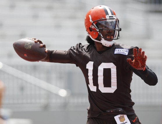 Robert Griffin III vient d'être nommé quart partant... (Associated Press)