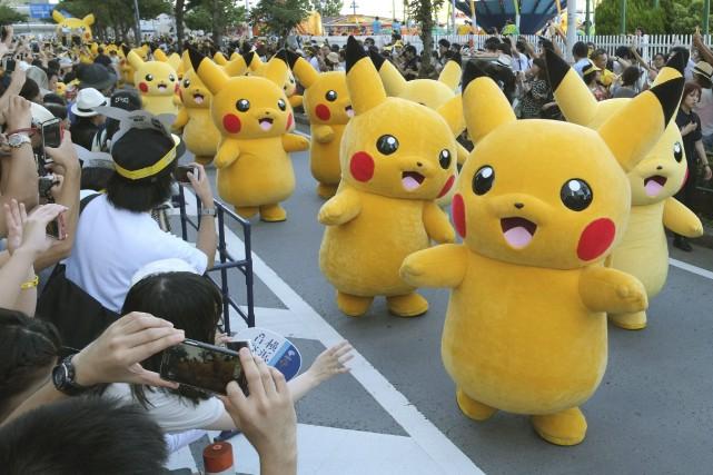 À Yokohama au Japon, Pikachu est réél le... (AFP, Kazuhiro Nogi)