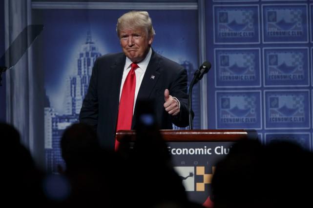 Après une semaine fertile en polémiques, Donald Trump... (AP, Evan Vucci)