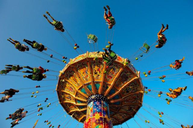 Les manèges d'Amusements spectaculaires seront installés dans le... (123RF, filmfoto)