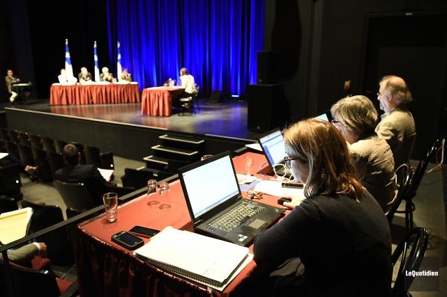 Des consultations publiques ont lieu pour le renouvellement... (Photo Le Quotidien, Mariane L. St-Gelais)