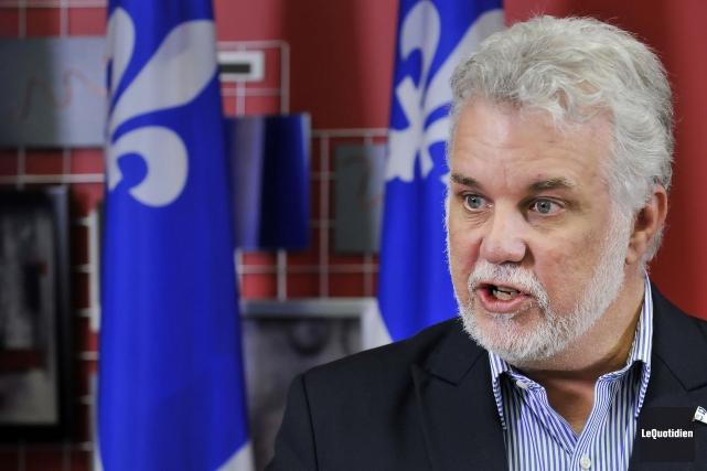 Le premier ministre Philippe Couillard... (Archives Le Quotidien)
