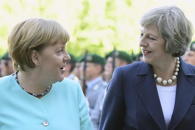 La nouvelle première ministre britannique Theresa May (à... (PHOTO JOHN MACDOUGALL, ARCHIVES AFP)