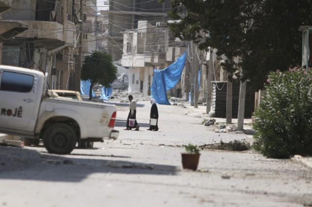 Des centaines de milliers de civils sont désormais... (PHOTO RODI SAID, REUTERS)
