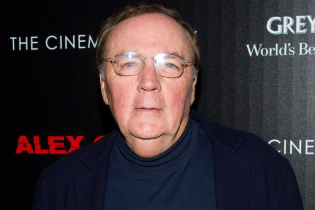 Selon Forbes, les revenus annuels de James Patterson s'élèvent... (Photo Charles Sykes, Archives Associated Press)
