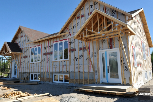 Le nombre de maisons individuelles mises en chantier... (Archives Le Quotidien, Rocket Lavoie)