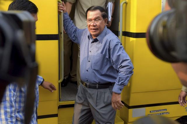 Le premier ministre du Cambodge Hun Sense maintient... (AFP)