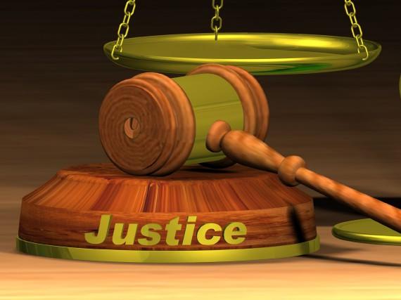 Un octogénaire fait face à la justice pour... (123RF)