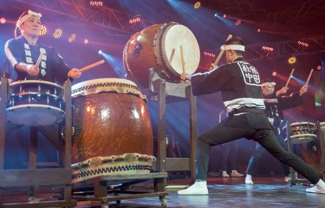 Les cinq musiciens de la formation Nagata Shachu... (Spectre Média, Marie-Lou Béland)