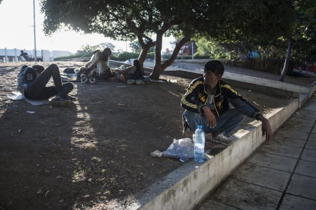 Quelque 47000migrants sont bloqués en Grèce depuis le... (Photo Giannis Papanikos, Archives AP)