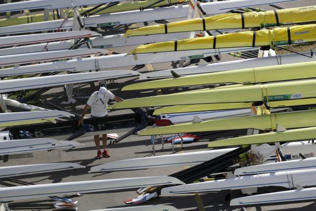 Les régates d'aviron prévues mercredi aux Jeux olympiques de Rio ont été... (Photo Luca Bruno, Associated Press)