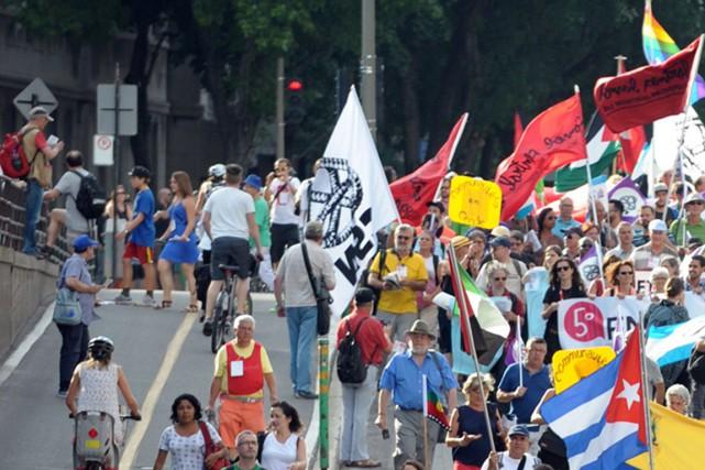 Plusieurs personnes ont participé à la marche du...