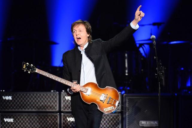 À 74 ans, Paul McCartneycontinue d'attirer des foules... (Photo Bertrand Guay, AFP)