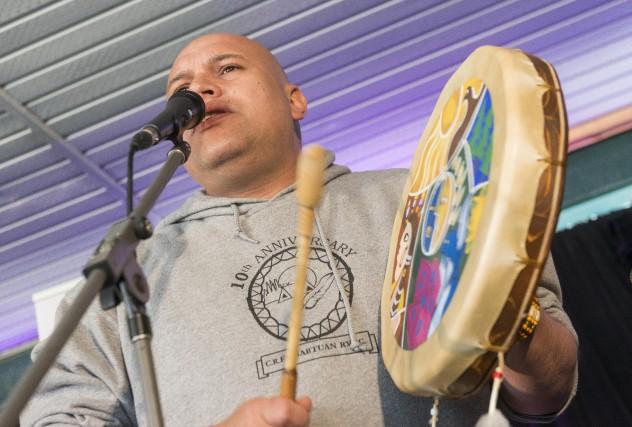Shauit est en spectacle au Festival des traditions... (Spectre Média, Frédéric Côté)