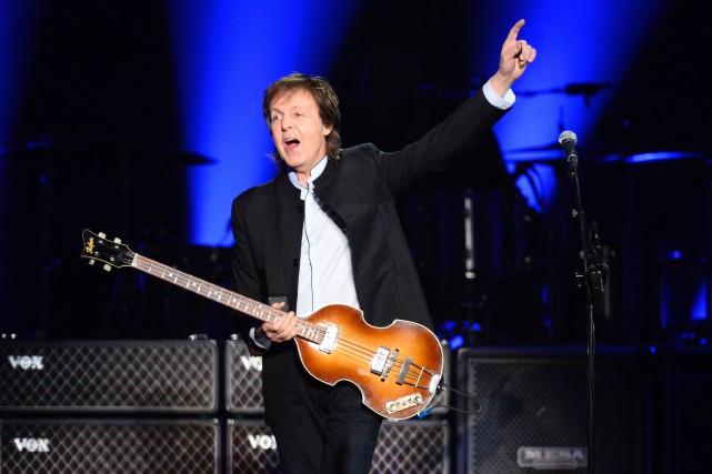 À 74 ans, Paul McCartneycontinue d'attirer des foules... (Bertrand Guay, Archives AFP)