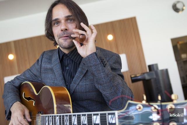 Le chanteur Christian Roberge, anciennement des Lost Fingers,... (Le Soleil, Caroline Grégoire)
