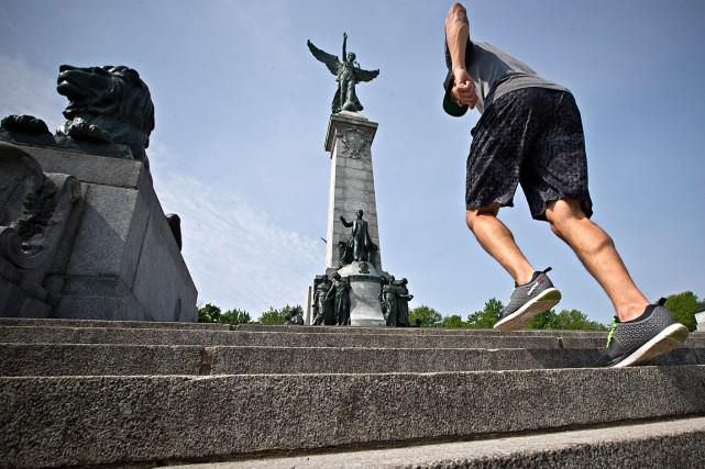 Le niveau d'activité physique hebdomadaire devrait être jusqu'à...