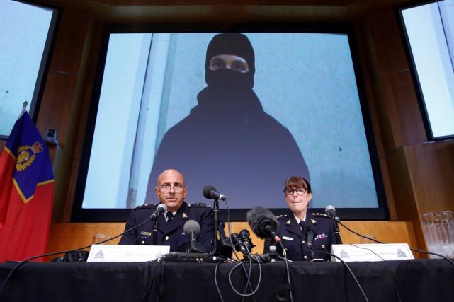 En conférence de presse, la GRC a présenté... (PHOTO Chris Wattie, REUTERS)