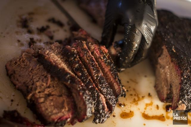 La brisket servie chez Lattuca Barbecueest remarquable.... (PHOTO OLIVIER PONTBRIAND, LA PRESSE)