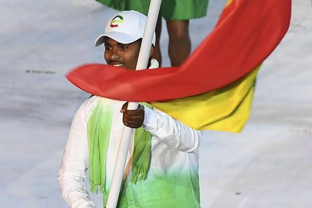 Robel Habte était le porte-drapeau de l'Éthiopie à... (AFP, Franck Fife)