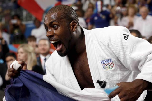 Le judoka français Teddy Riner lorsqu'il a défait... (AP, Paul Sancya)