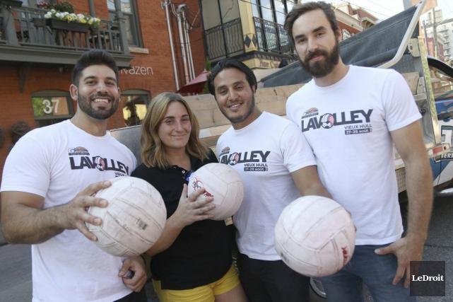 L'équipe de Lavolley, Ali Harb, Stéphanie Gauvreau, Jose... (Etienne Ranger, LeDroit)