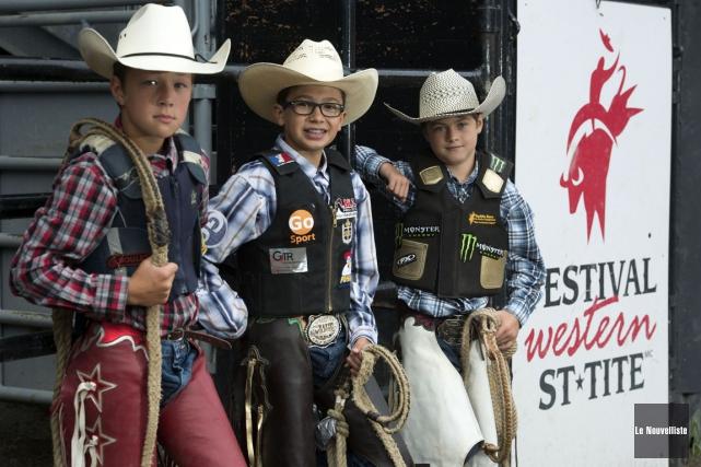 De gauche à droite, Justin Gavillet, Victor Lafrenière... (Stéphane Lessard, Le Nouvelliste)