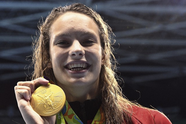 Penny Oleksiak entre à 16 ans dans l'histoire... (La Presse canadienne, Sean Kilpatrick)