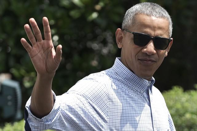 Une pour la journée, l'autre pour la soirée, le président américain Barack... (PHOTO ARCHIVES AFP)