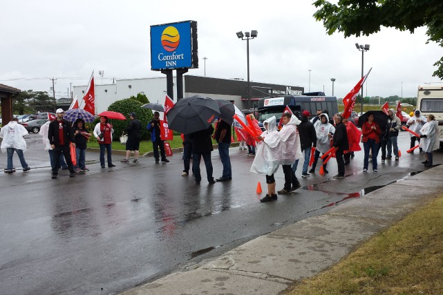 Les employés du Comfort Inn de Trois-Rivières ont... (Photo: Amélie Houle)
