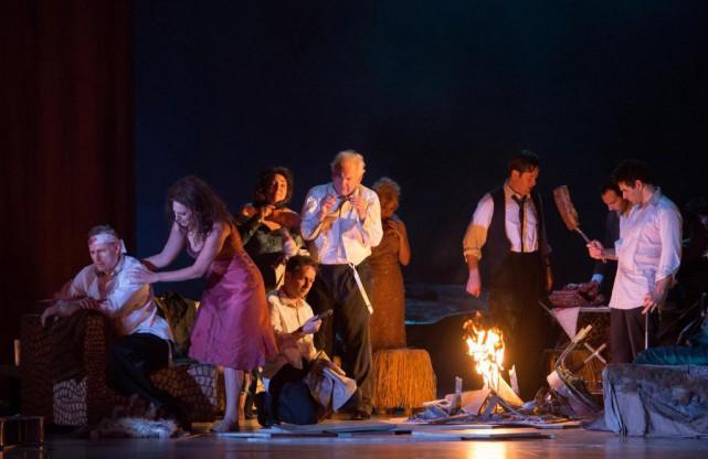 Frédéric Antoun (à l'extrême droite) est de l'aventureThe... (photo Monika Rittershaus, fournie par la production)