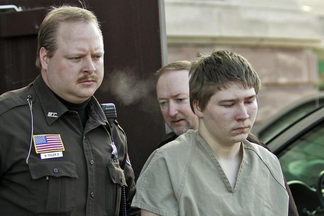 La série documentaire Making a Murderer traite de... (Morry Gash, archives AP)