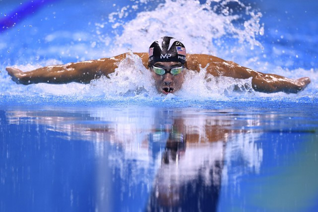Michael Phelps... (AFP)